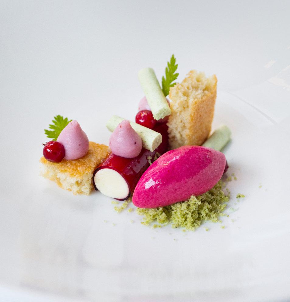 Bavarois Chevre Airelle Dessert Toque