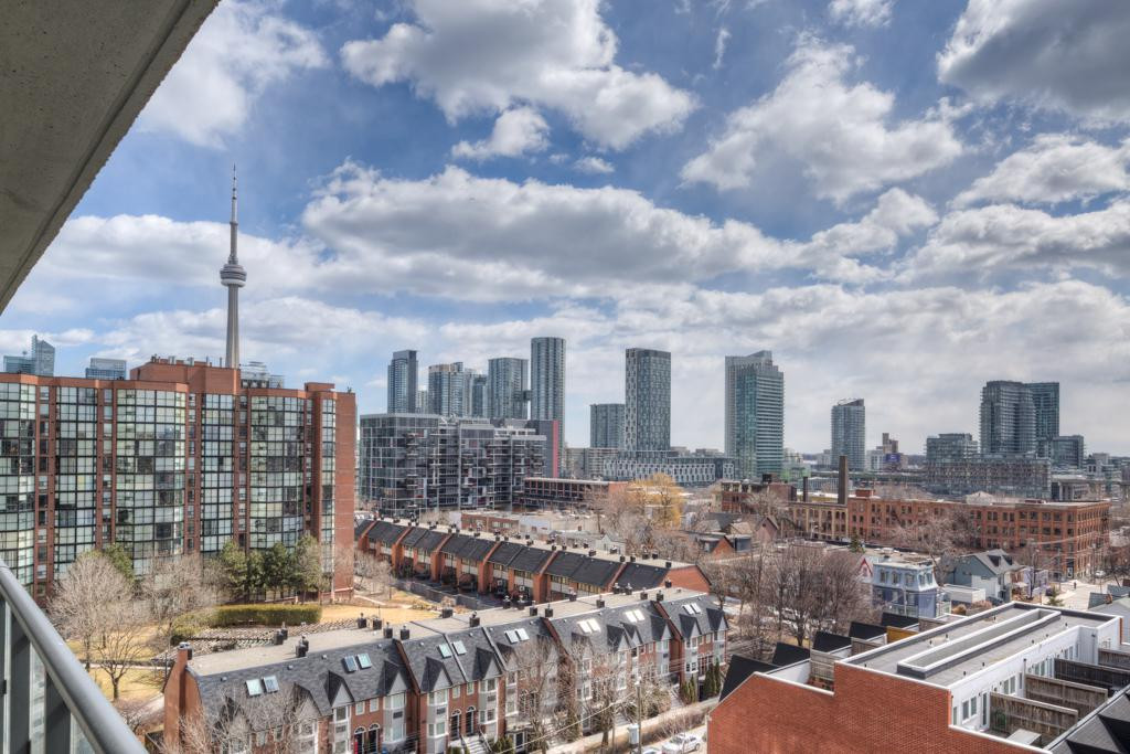 Price Gap Between Toronto Lofts and Houses Grows