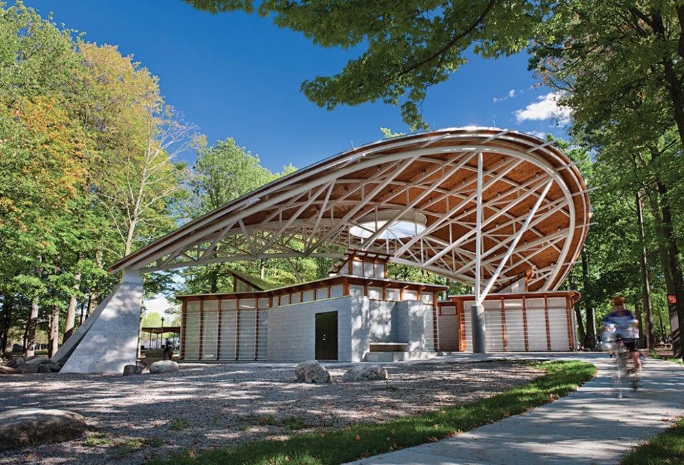 Vincent Massey Park, service pavilion