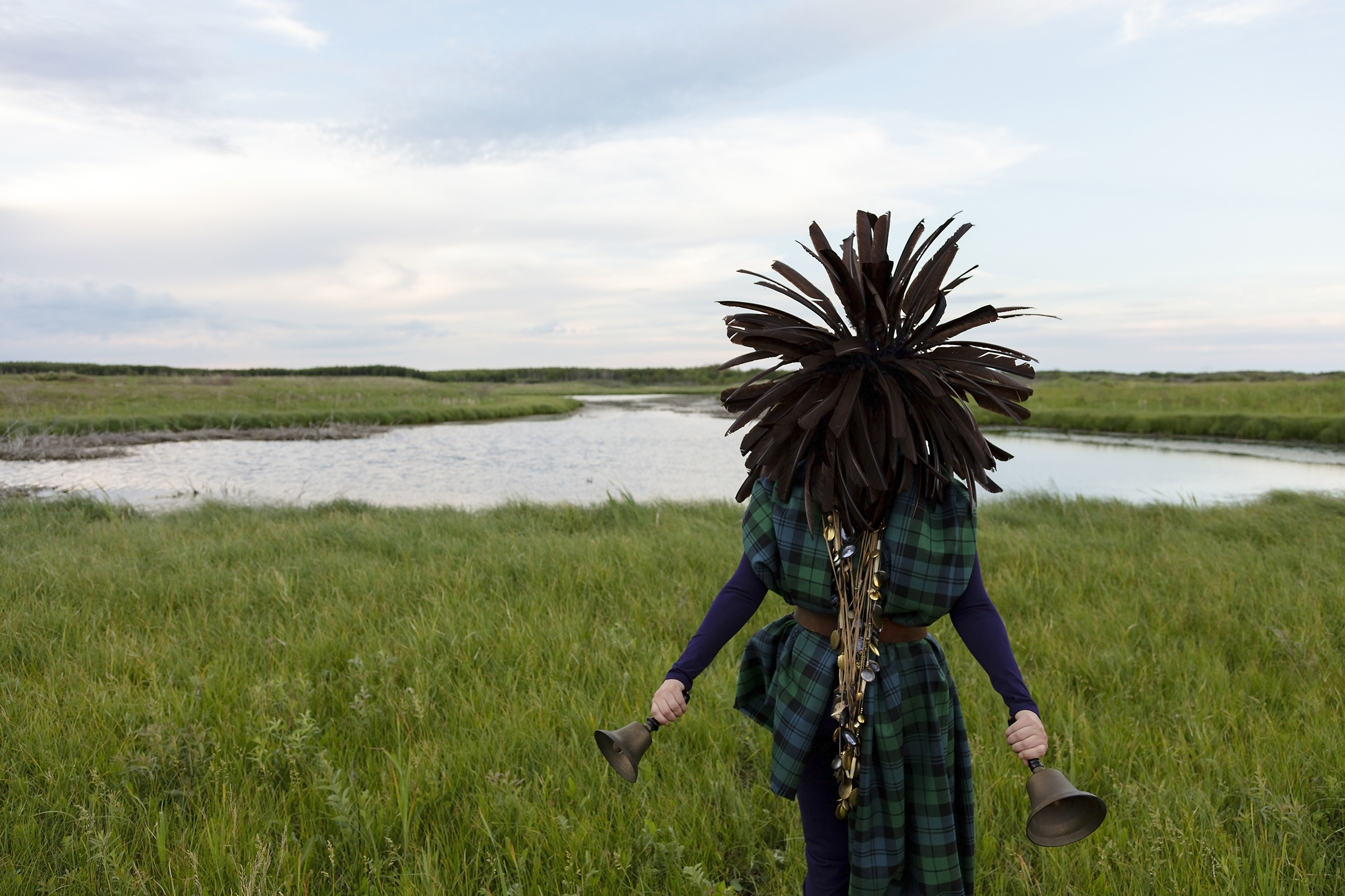 Meryl McMaster, From a Still Unquiet Place, 2019. From the series As Immense as the Sky. Courtesy of the artist, Stephen Bulger Gallery and Pierre-François Ouellette art contemporain.