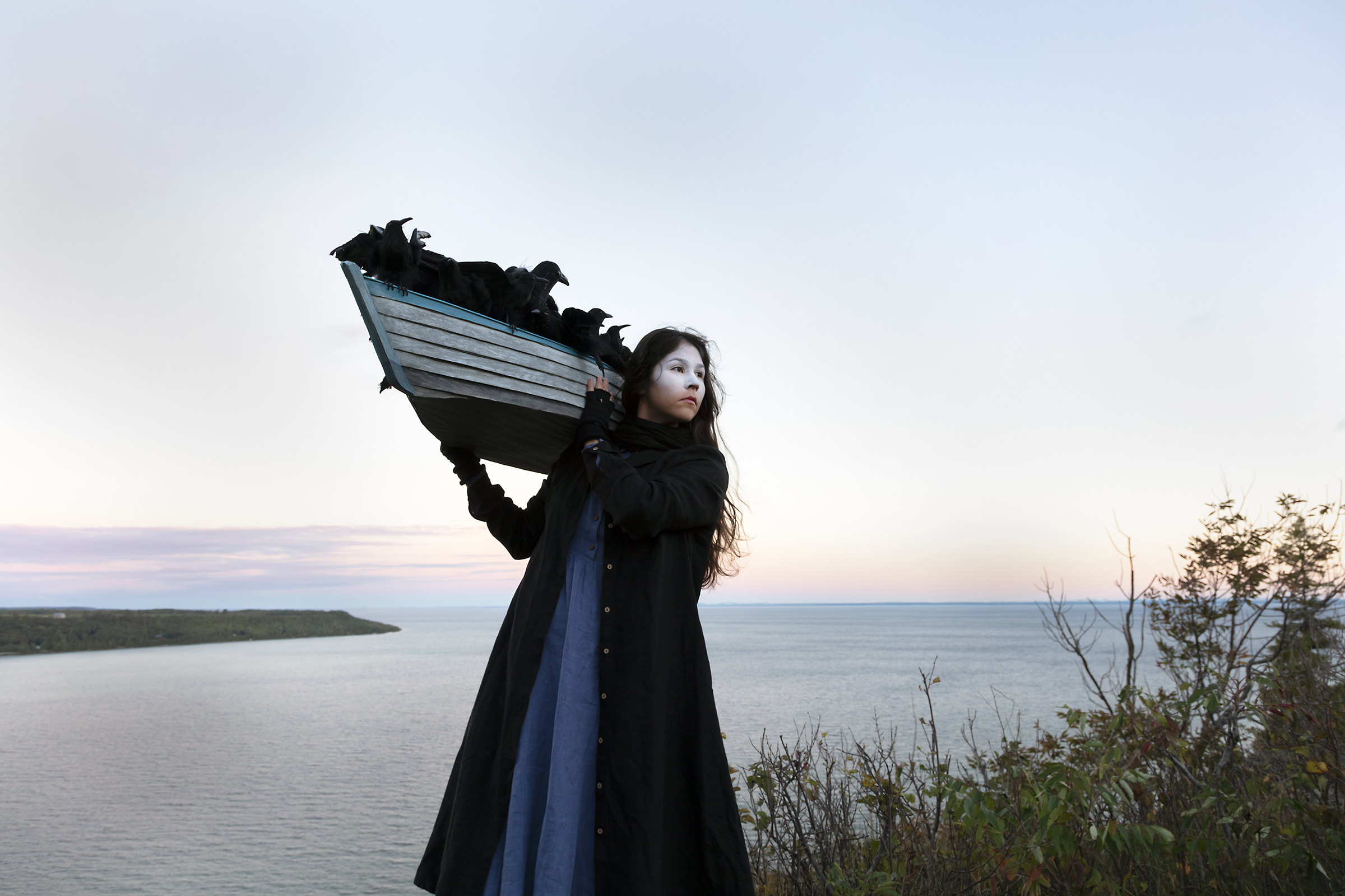 Meryl McMaster, On The Edge of This Immensity, 2019. From the series As Immense as the Sky. Courtesy of the artist, Stephen Bulger Gallery and Pierre-François Ouellette art contemporain.