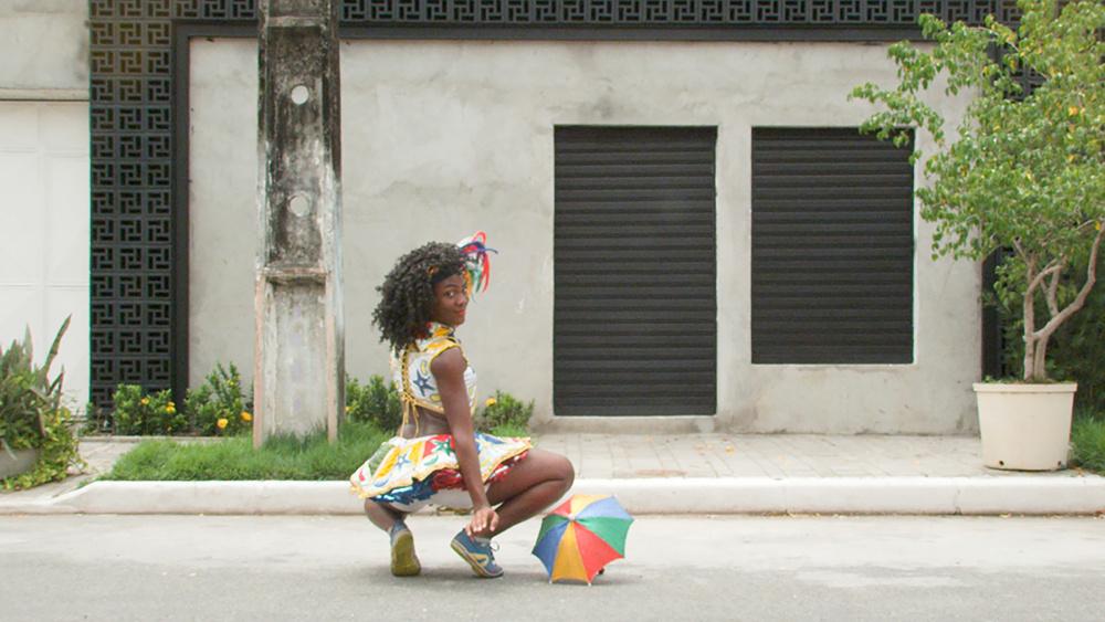 Bárbara Wagner & Benjamin de Burca, SET TO GO, 2015. Film still (Part I). Courtesy Fortes D'Aloia & Gabriel, São Paulo.
