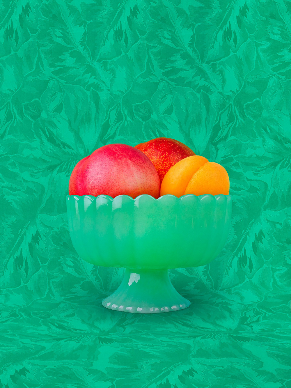 Shellie Zhang, Still Life with Peach, 2018-2019. Courtesy of the artist.