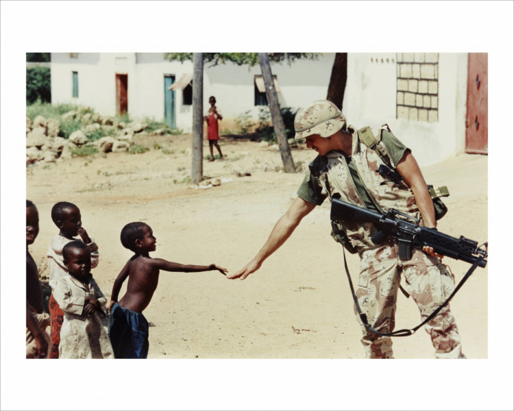 Dan Eldon, Untitled (A US soldier and a Somali boy), 1992