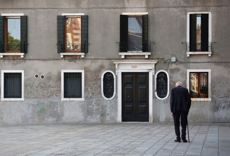 Tara Wilkinson, In the Light of Loneliness (Venice, Italy), 2015