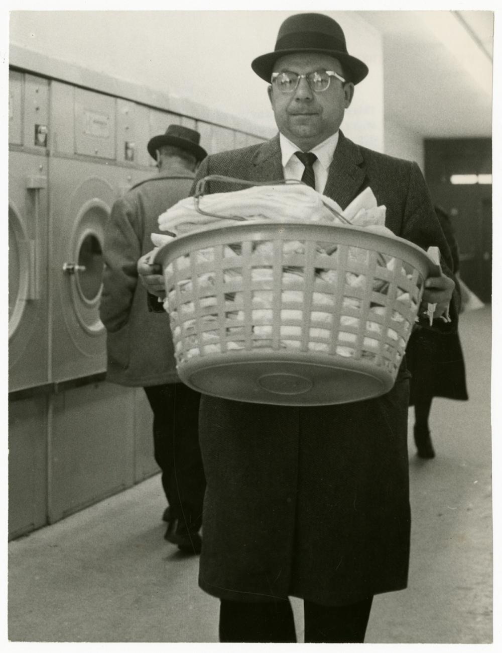 Erik Christensen (formerly known as Erik Schack), Laundromat, 1960. Gelatin silver print, 9 x 7