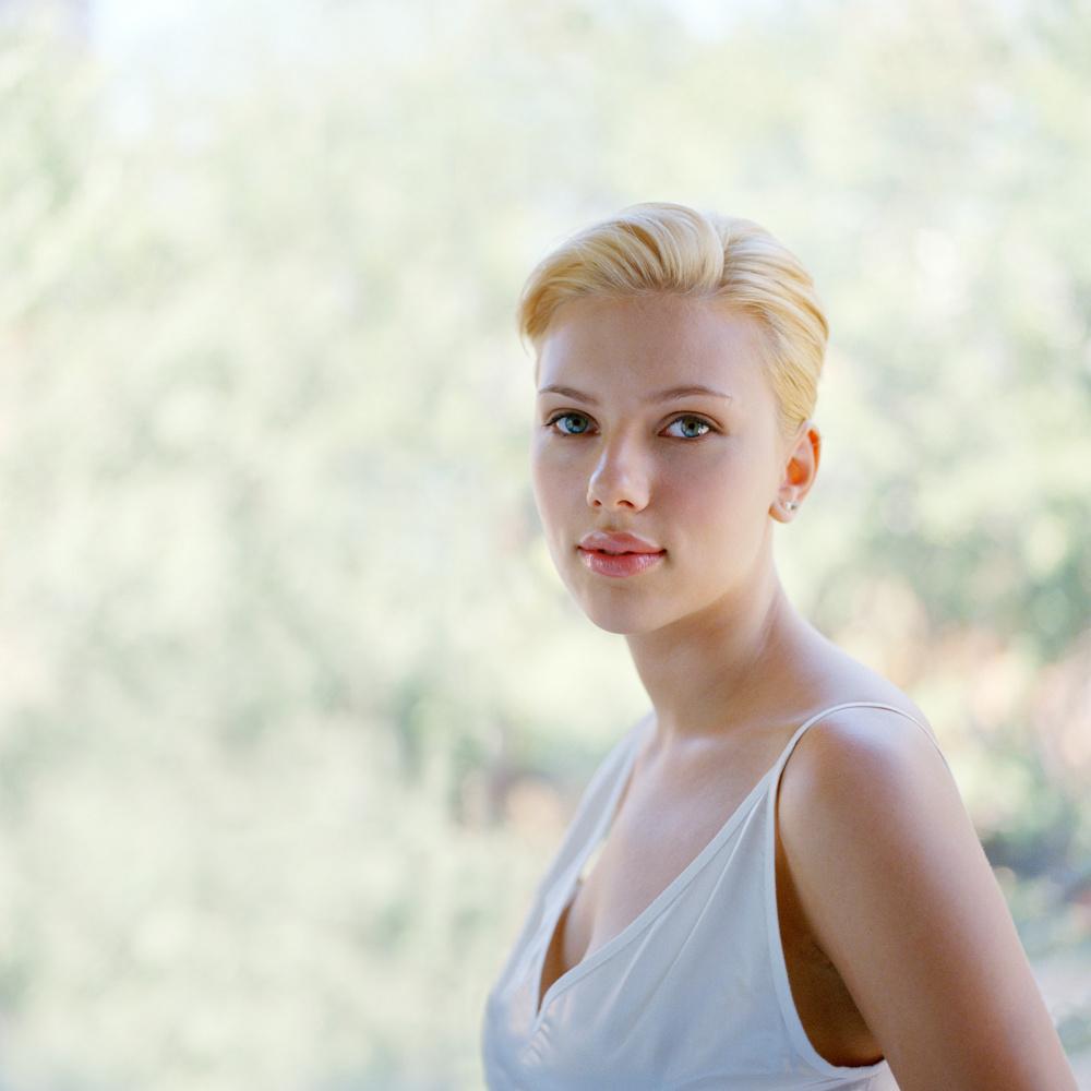 Derek Shapton, Scarlett Johansson, September 19, 2004