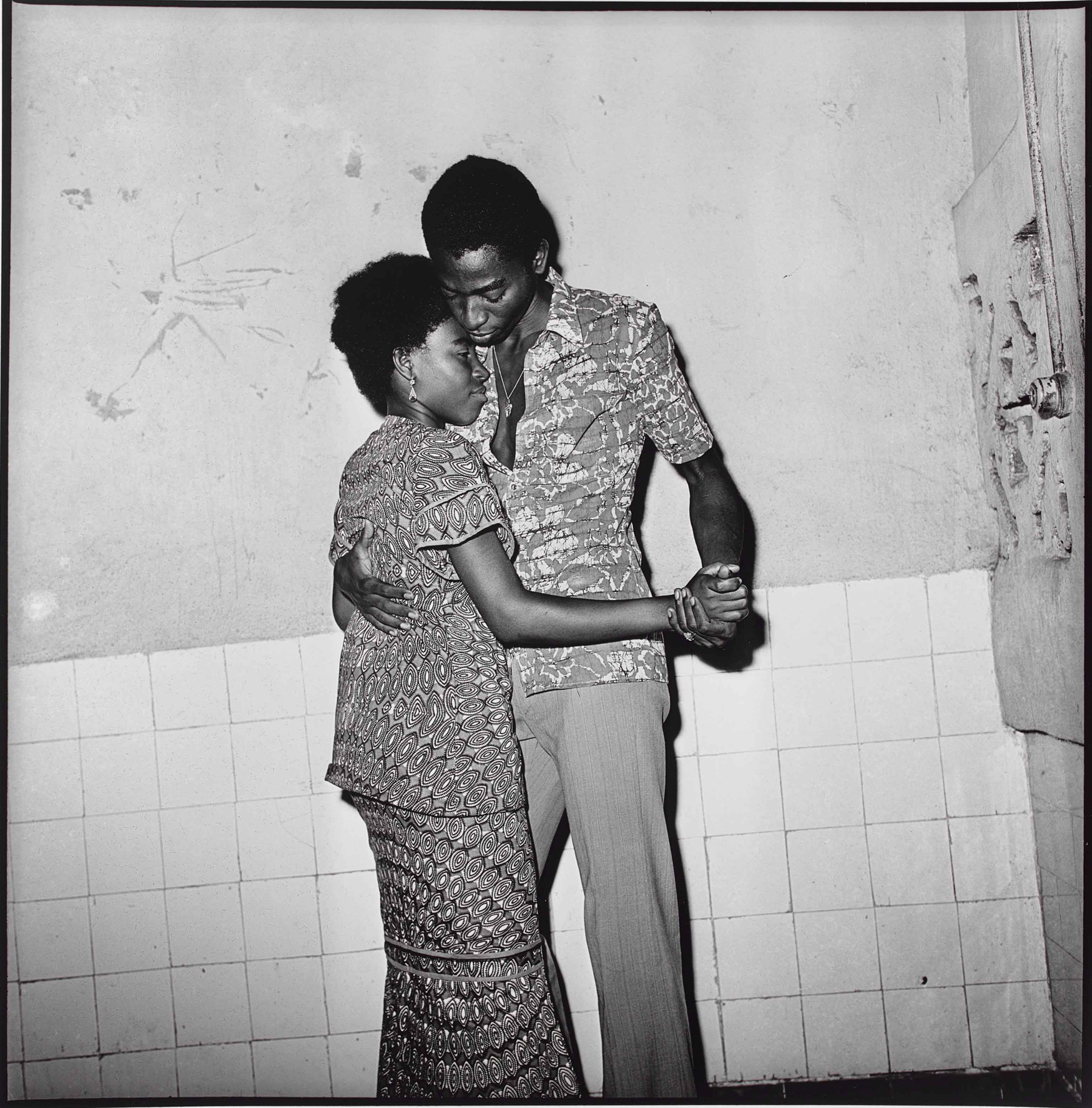 Paul Kodjo, Untitled, 1970s. Gelatin silver print, 50 x 40 cm. Art Gallery of Ontario, Purchase, with funds from the Photography Curatorial Committee, 2020. © Paul Kodjo, courtesy Les Rencontres du Sud 2019/2330.
