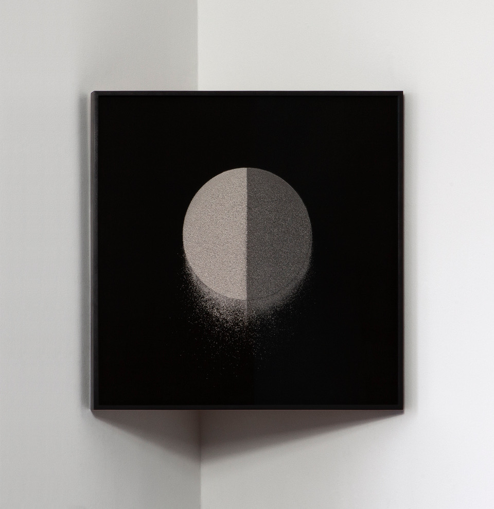 Spring Hurlbut, Dyadic Circles, Nutmeg 2, 2019. Courtesy of the artist and Georgia Scherman Projects