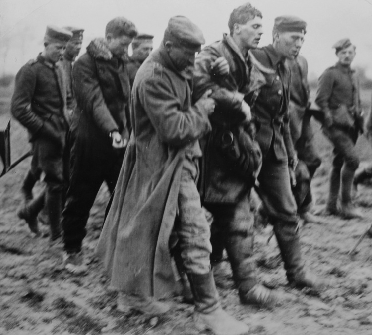Photographer unknown, Wounded English aviator taken prisoner by German soldiers, 1914-1918, Gelatin Silver Print, 5x5 inches