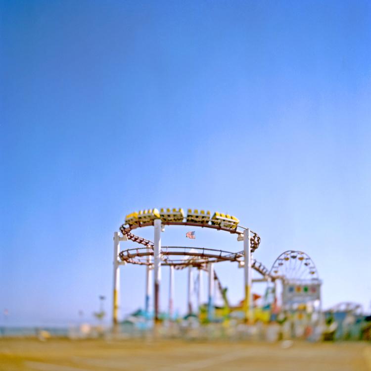 Toni Hafkenscheid, Roller coaster, Santa Monica, CA, 2004