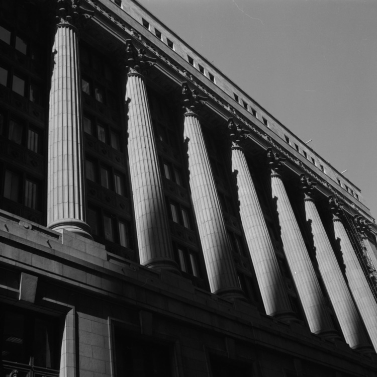 Paul Till, Columns, Chicago, 2005, Silverprint, 45cmX45cm