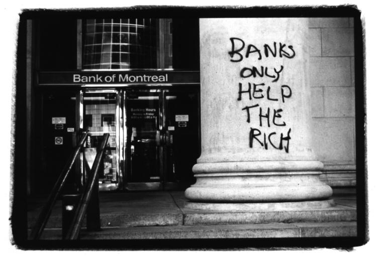 Jon Schledewitz / GlobalAware, Banks only help the rich, 2005, 24 x 36