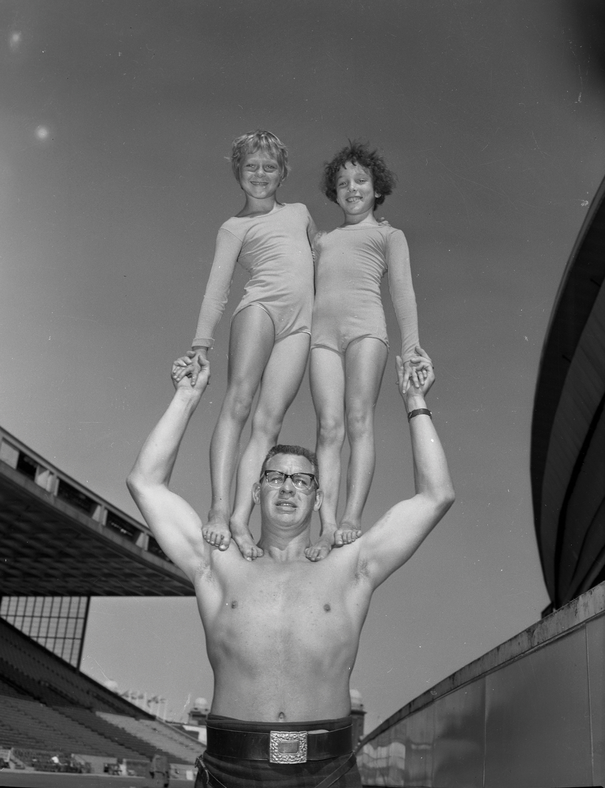 Standing Tall, 1962. Canadian National Exhibition Archives, MG5-F771-I5. Courtesy of the CNEA
