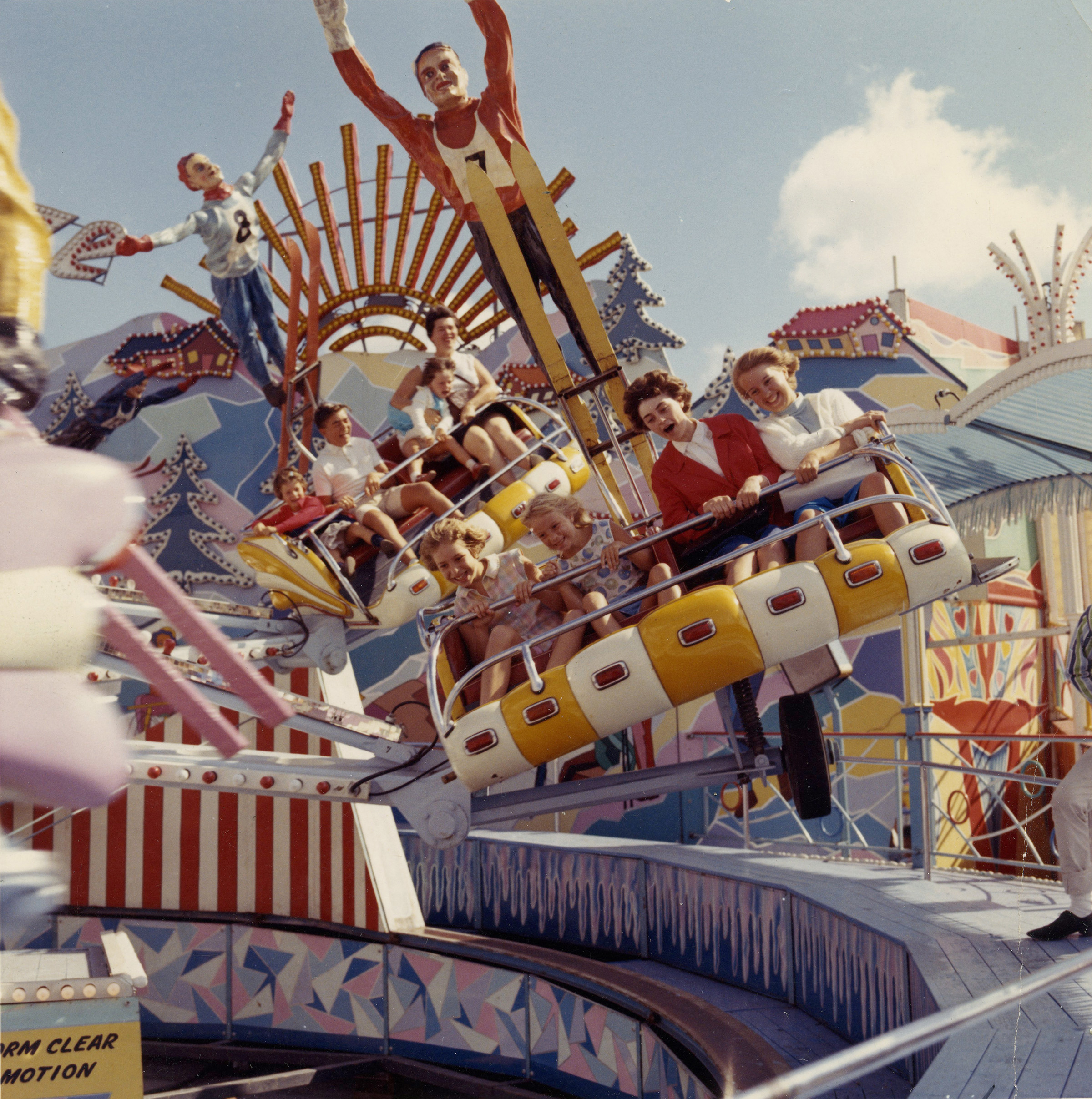 Midway Thrills, [Date Unknown], Canadian National Exhibition Archives, Slides Midway 40-8. Courtesy of the CNEA