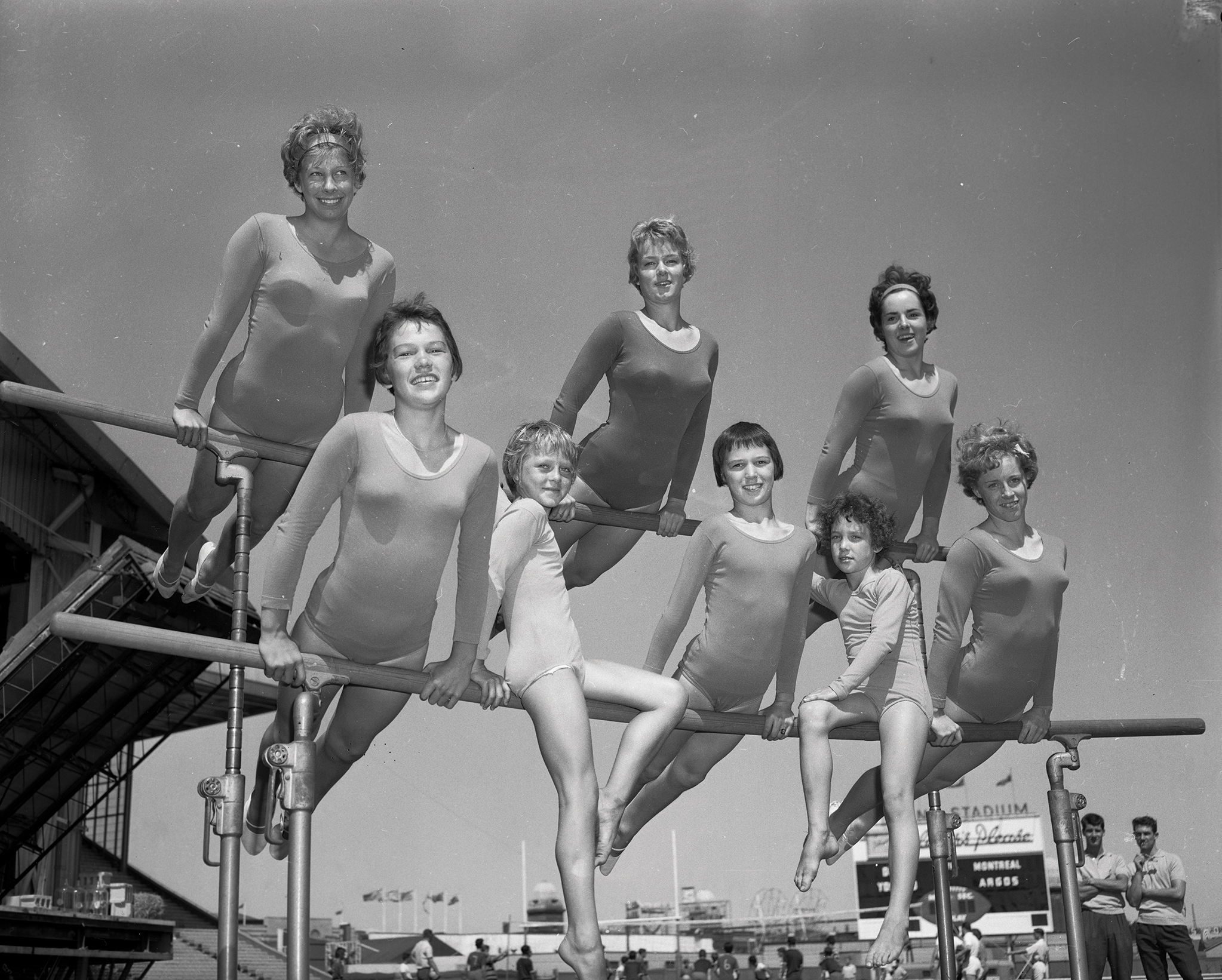 Balancing Act at the Grandstand, 1962. Canadian National Exhibition Archives, MG5-F771-I1. Courtesy of the CNEA