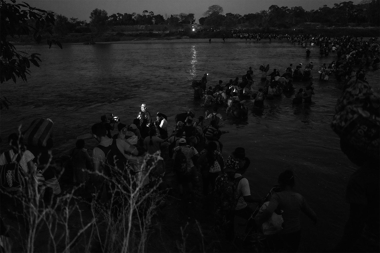 Ada Trillo, Crossing The Suchiate River, 2020
