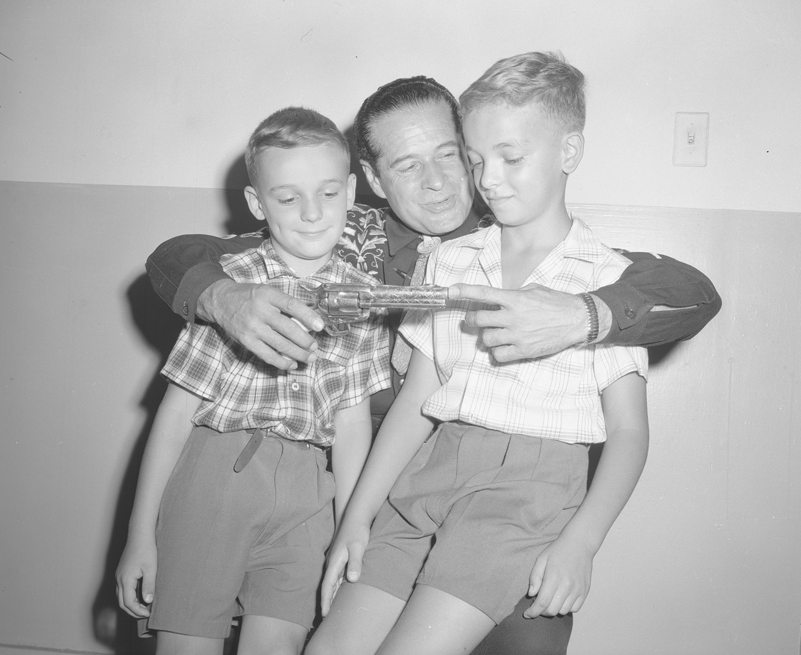 Cisco Kid with Fans, 1959. Canadian National Exhibition Archives, MG5-F264-I3. Courtesy of the CNEA
