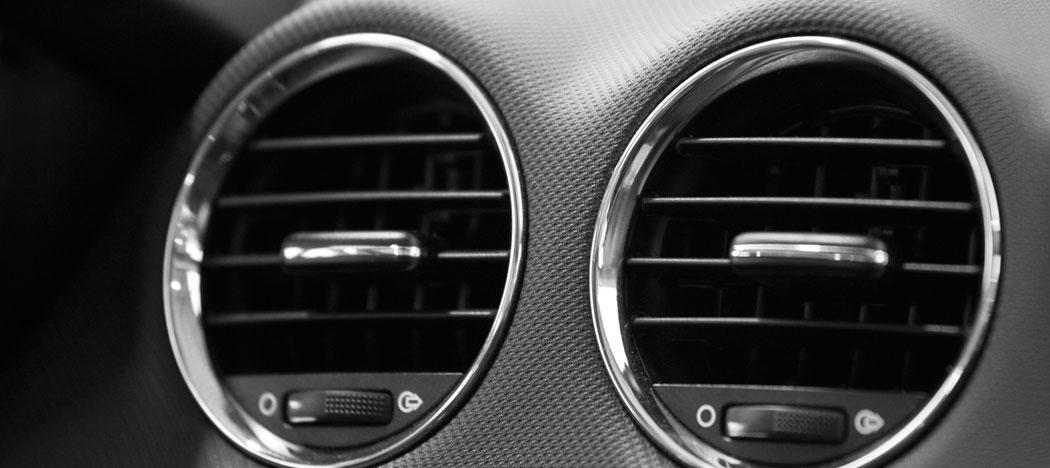 r paration de climatisation chauffage automobile point s. Black Bedroom Furniture Sets. Home Design Ideas
